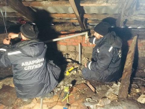 В Каменском ликвидировали порыв труб отопления по улице Айвазовского, 11 Днепродзержинск