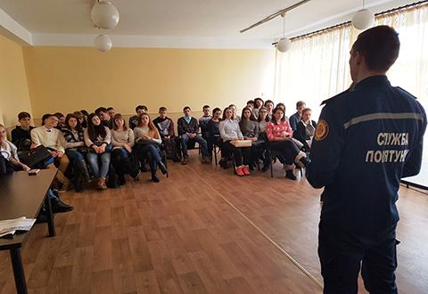 Каменские спасатели провели  встречу с выпускниками СОШ № 30 Днепродзержинск