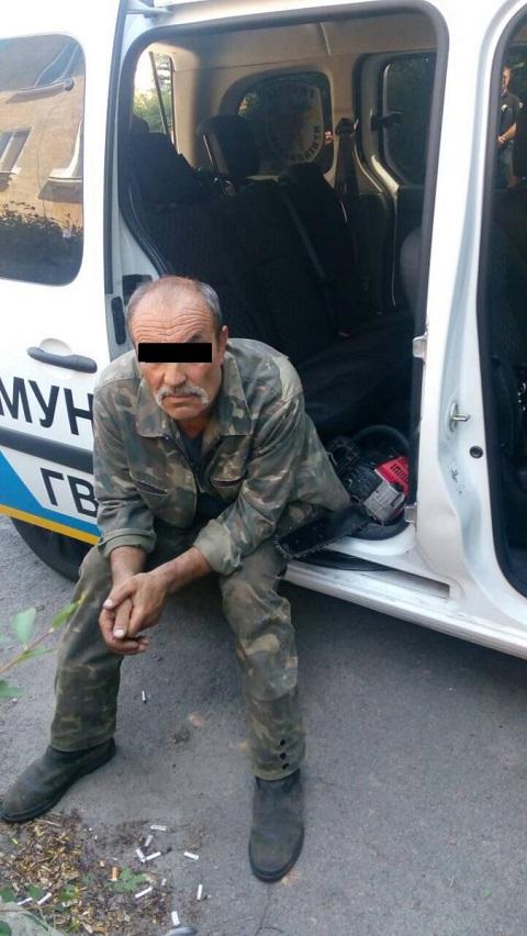 Сотрудники «Муниципальной гвардии» г. Каменское задержали «лесоруба» Днепродзержинск