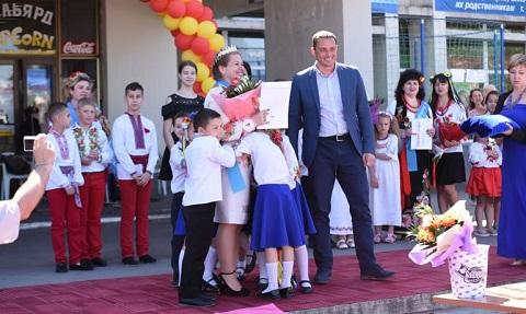 В Днепровском районе г. Каменское выбрали самую красивую маму Днепродзержинск