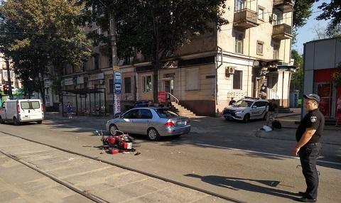 В г. Каменское столкнулись мотоциклисты Днепродзержинск