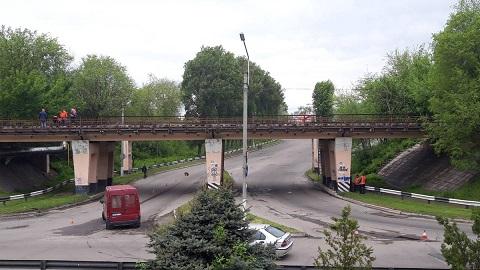 Работники железной дороги провели в Каменском капремонт путей Днепродзержинск