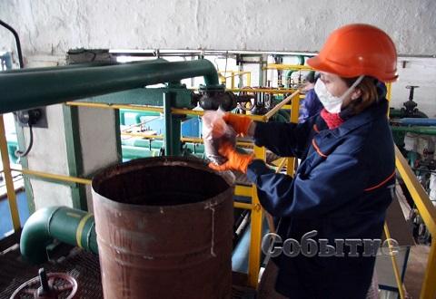 В Каменском через сеть центрального отопления прошла окрашенная вода Днепродзержинск