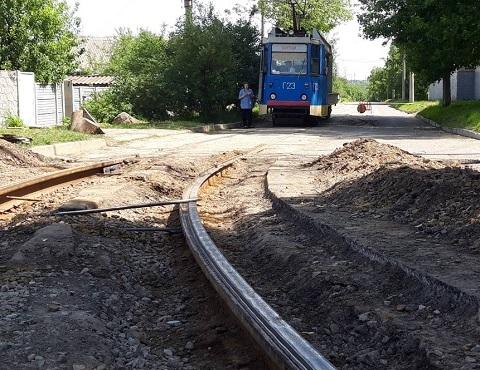 КП «Трамвай» г. Каменское проводит ремонтные работы на линиях Днепродзержинск