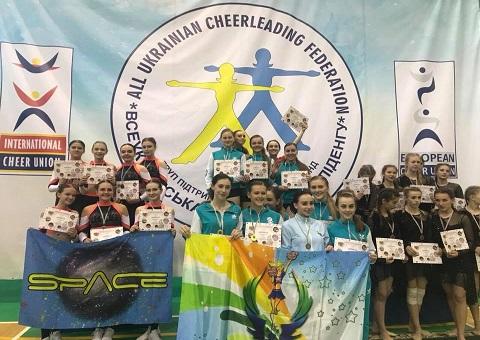 Каменские черлидеры вошли в число призеров чемпионата Украины Днепродзержинск