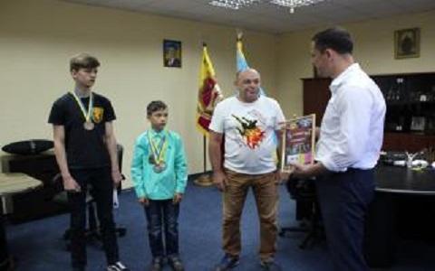 Каменские спортсмены поблагодарили мэра за оказанную помощь Днепродзержинск