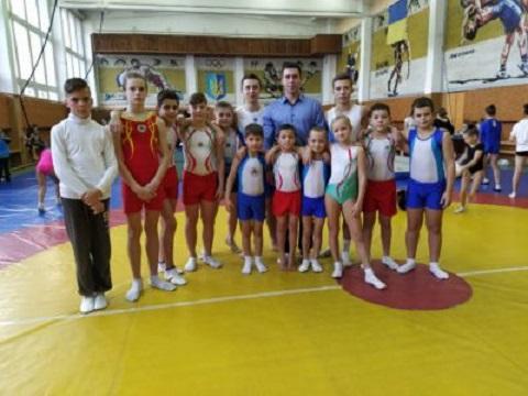 На областном турнире акробаты Каменского стали победителями Днепродзержинск