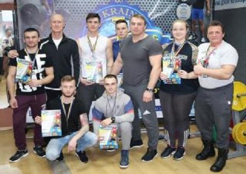 Каменчане  привезли 19 наград с чемпионата Украины по армлифтингу Днепродзержинск