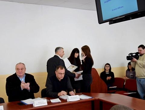 На исполкоме г. Каменское награждали глав ОСМД Днепродзержинск