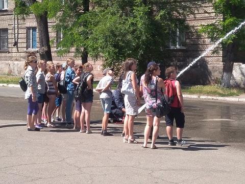 Дети из средней школы № 28 г. Каменское побывали в ГПСЧ № 7 Днепродзержинск