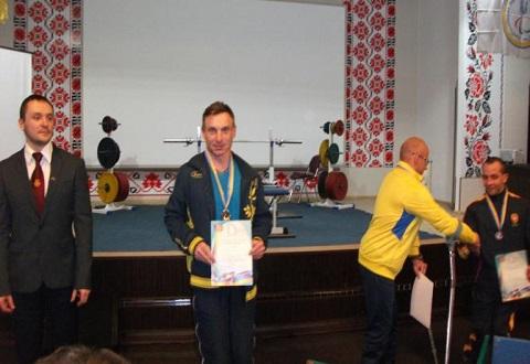 Представители «Инваспорта» г. Каменское выступили на чемпионате по пауэрлифтингу Днепродзержинск