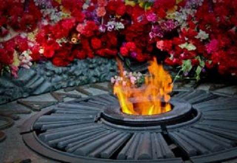 С Днем Победы поздравляем ветеранов и жителей Каменского Днепродзержинск