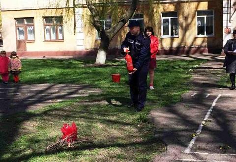 В дошкольных учебных заведениях Каменского провели тренировки по эвакуации Днепродзержинск