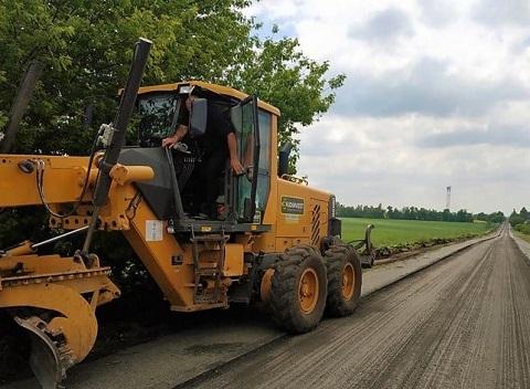 Под г. Каменское приступили к ремонту дороги на Светлогорское Днепродзержинск