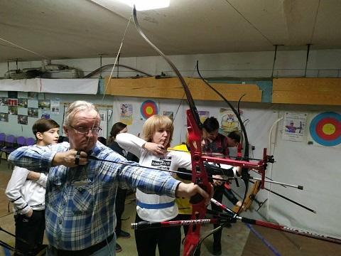 Семейный турнир по стрельбе из лука порадовал жителей Каменского Днепродзержинск
