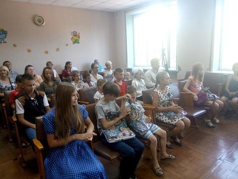 В Южном районе г. Каменское провели акцию «Шаг к школе» Днепродзержинск