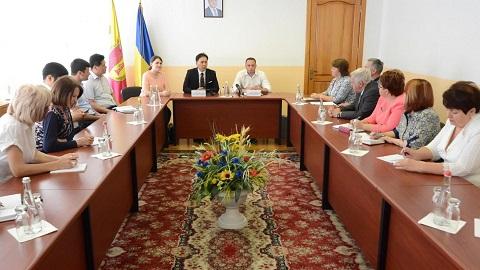 В Каменском побывали  представители Международного института развития интеллекта Днепродзержинск