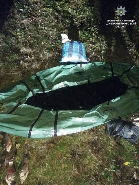 Водный патруль и рыбинспекторы остановили браконьера на водохранилище под г. Каменское Днепродзержинск