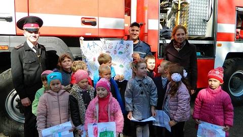 Спасатели двух ГПСЧ г. Каменское побывали на мероприятии в школе № 38 Днепродзержинск