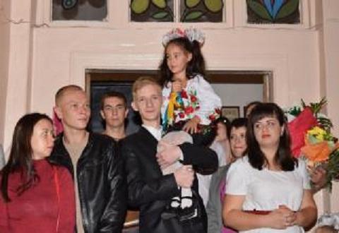 В учебных заведениях Каменского провели праздник Первого звонка Днепродзержинск