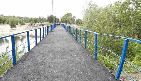 У городского пляжа г. Каменское заасфальтировали мостик Днепродзержинск