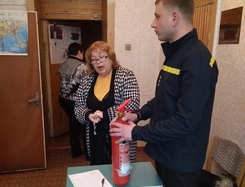 Спасатели Каменского проверяют состояние объектов для проведения выборов Днепродзержинск