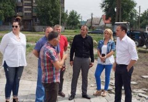 Поселок Строителей в Каменском благоустраивают Днепродзержинск