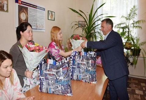 Список коренных жителей Каменского пополнился на 7 новорожденных в День матери Днепродзержинск