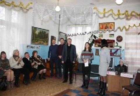 В Южном районе г. Каменское поздравили людей преклонного возраста Днепродзержинск
