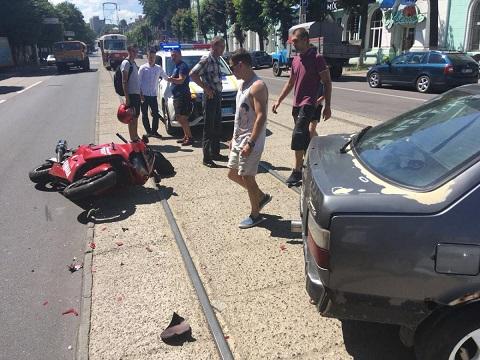 В Каменском мотоциклист столкнулся с автомобилем  Днепродзержинск