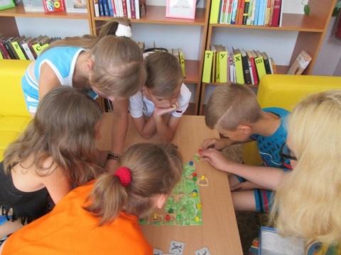 Библиотеки Каменского продолжают работу с детьми в летние каникулы Днепродзержинск