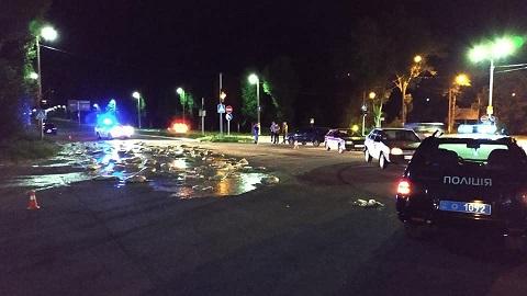 В Каменском в результате дорожного происшествия произошло загрязнение территории Днепродзержинск