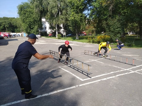 В Каменском провели соревнования по пожарно-прикладному спорту Днепродзержинск