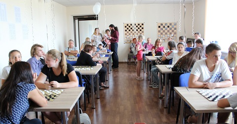 В г. Каменское стартовала Всеукраинская лига чемпионов по шашкам Днепродзержинск