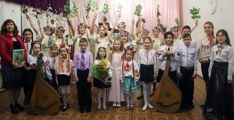 Воспитанники Школы искусств г. Каменское по народным традициям встречали весну Днепродзержинск