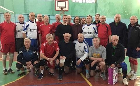 В Каменском провели товарищеский турнир по волейболу Днепродзержинск