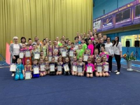 Акробаты Каменского провели городской чемпионат Днепродзержинск