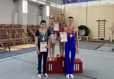 Акробаты города Каменское стали призёрами чемпионата области Днепродзержинск