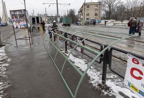 В Каменском  благоустраивают остановки общественного транспорта Днепродзержинск