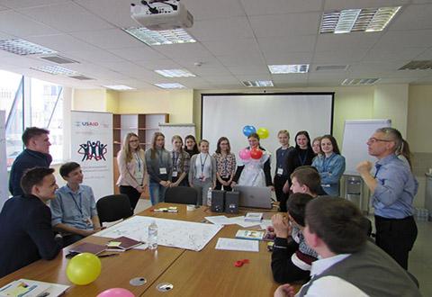В работе «Академии молодого гражданина» приняли участие ученики-активисты из Каменского Днепродзержинск