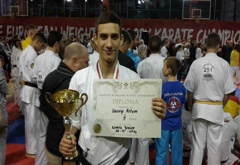 Спортсмен из Каменского стал серебряным призером Чемпионата Европы по киокушин-кан каратэ Днепродзержинск