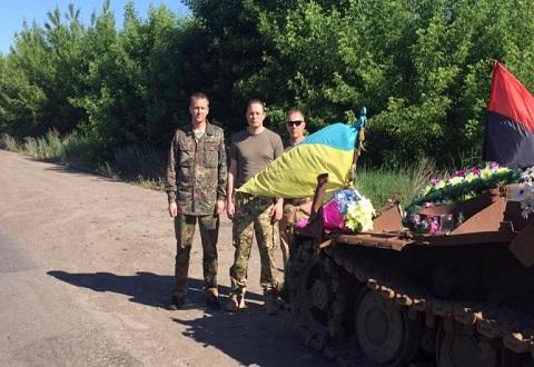В составе десанта волонтеров мэр Каменского побывал в Донбассе Днепродзержинск