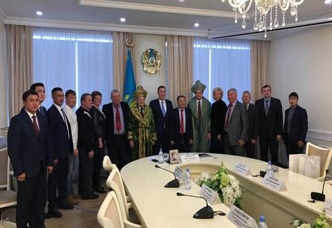 Мэр Каменского с официальным визитом посетил Казахстан Днепродзержинск