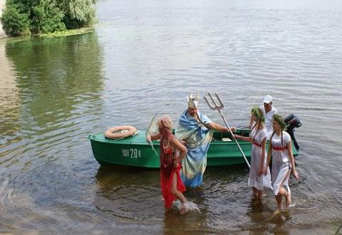 Каменчанам радость общения с природой подарил День рыбака Днепродзержинск