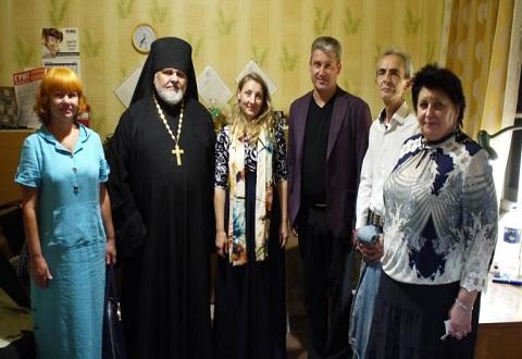Священнослужители побывали в учреждении для бездомных Каменского Днепродзержинск