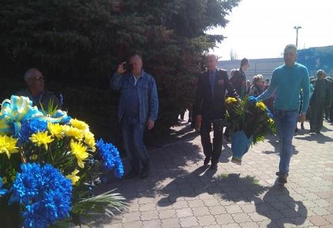 Каменчане провели митинг памяти у «Чернобыльского колокола» Днепродзержинск