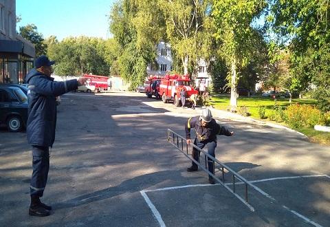 В Каменском  продолжается конкурс боевого развертывания команд ГПСЧ  Днепродзержинск