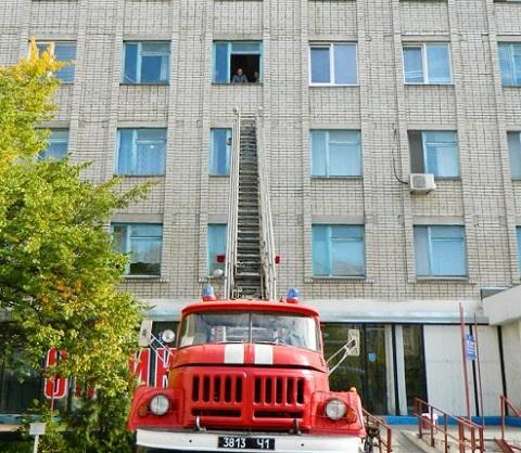 Специальные объектовые учения спасатели провели в ЦПМСП №1 г. Каменское Днепродзержинск