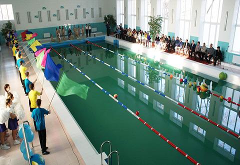 Каменский городской голова провел открытие отремонтированного бассейна Днепродзержинск
