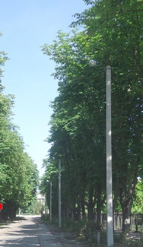 В Каменском на Днепрострое восстанавливают уличное освещение Днепродзержинск